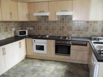 Longford Place, Victoria Park, Bills Included, 21 Bed House To Let, All En-Suite Students, Manchester M14