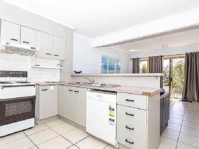 21-25 Cumming Parade, Point Lookout, QLD, 4183