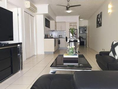 Flat for sale Cairns City - Furnished