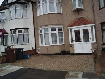 Emmott Avenue, Barkingside, Ilford, Newbury Park IG6