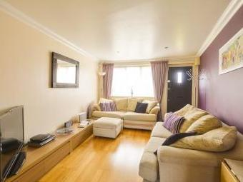 St. Marys Road, Slough Sl3 - Freehold