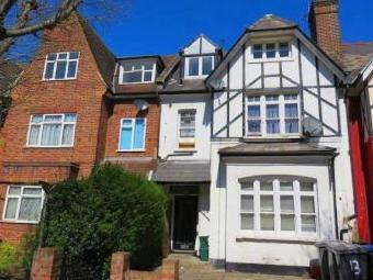 Willesden Green, London NW2 - House