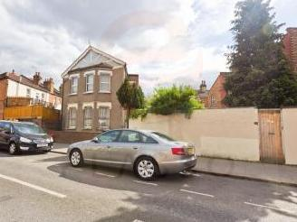 Chapter Road, Dollis Hill NW2 - House