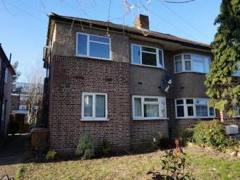 Woodland Road, Chingford E4 - House