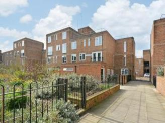Zander Court, London E2 - Dishwasher