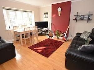 House for sale, Elm Walk Sw20