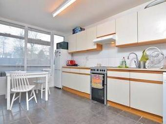 Flat Baly House Sw2
