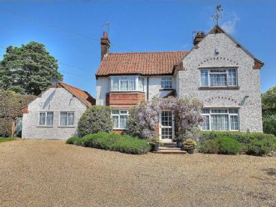 House for sale, Manor Road - Detached