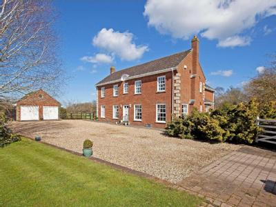 House for sale, March House - Garden