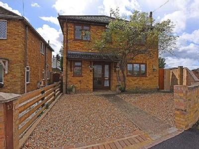 House for sale, Moorside Close
