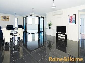 3 flats and apartments for sale by Raine Horne Nestoria