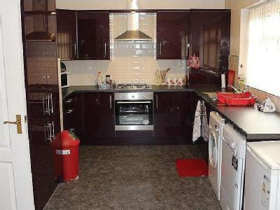 Flat to let, Newsome Road - Furnished