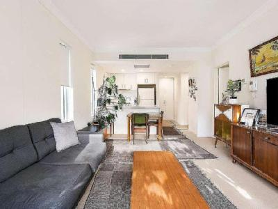18 10 Drovers Way Auction Air Con