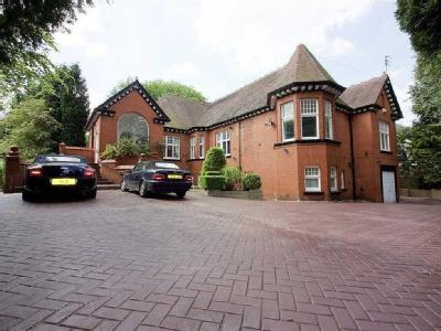 Old Hall Road, Salford , M7 - Garden