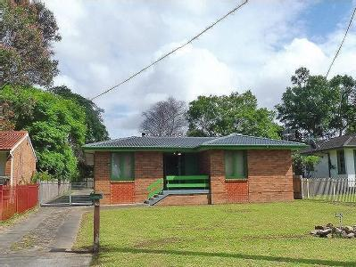 Sampson Crescent, Bomaderry
