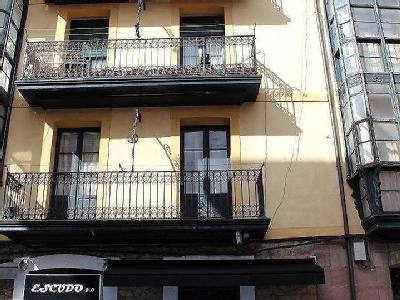 Calle Padre Gomez, 2 - A Reformar