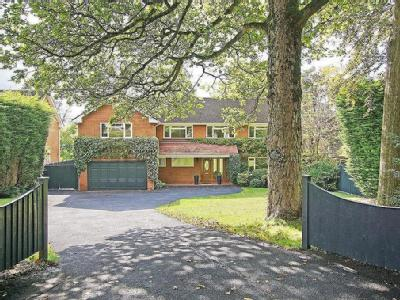 House for sale, Plymouth Road - Patio