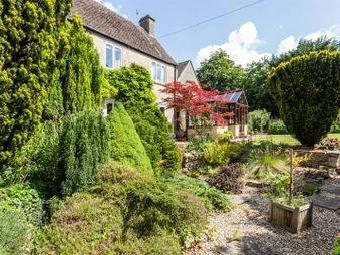 House for sale, Private Road - Garden