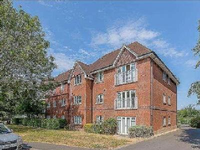 Hurst Court, Horsham, RH12 - Freehold