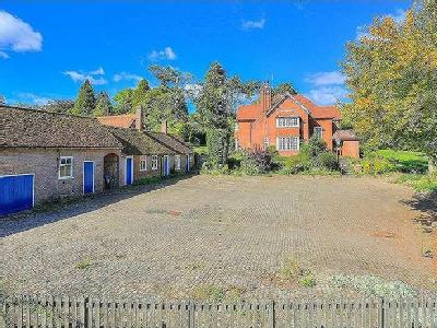 West Leith, Tring, HP23 - Detached