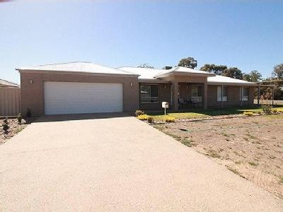 Anthony Avenue, Tocumwal - Garden