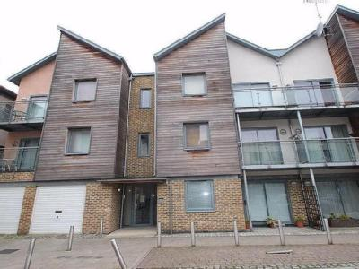 Quayside Drive, Colchester, Co2