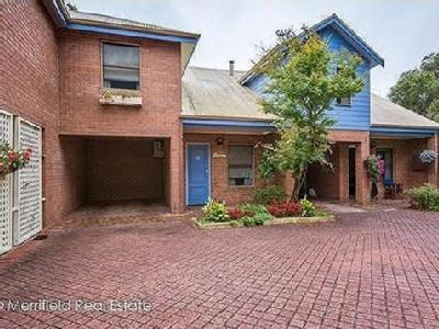 12/21 Adelaide Crescent - House