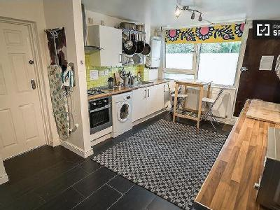 4 Bedroom Flats Apartments To Rent In Albany Road Se5 London
