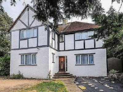 Russell Hill, Purley, Cr8 - Detached