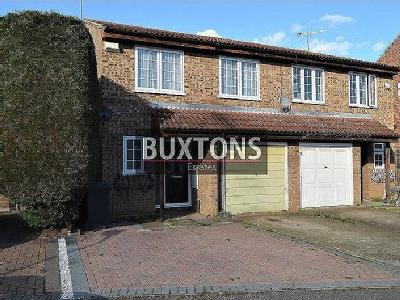 2 bedroom house for rent private landlord in slough. sandringham court, slough, sl1 2 bedroom house for rent private landlord in slough