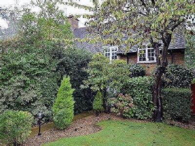 House for sale, Westholm, Nw11