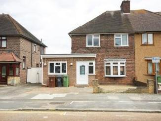 Waterbeach Road, Dagenham RM9 - House