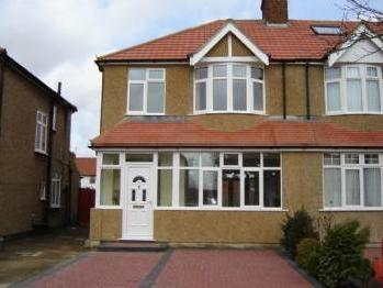 West Way, Edgware, Ha8 - Reception
