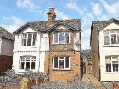 Vale Road, Claygate, Kt10 - Victorian