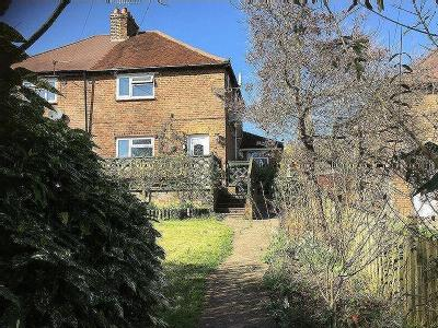 Waynflete Lane, Farnham, Gu9 - Patio