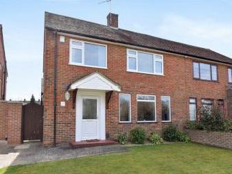 Farnham Lane, Farnham Royal, Berkshire Sl2