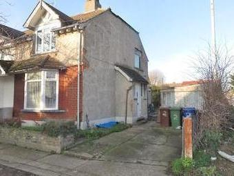 Crescent Avenue, Grays Rm17 - Garden