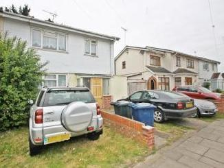 Gosling Close, Greenford UB6 - House