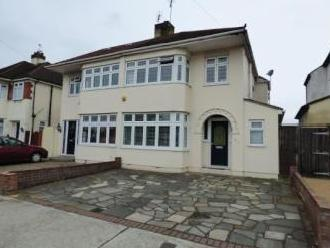 Alma Avenue, Hornchurch RM12 - House