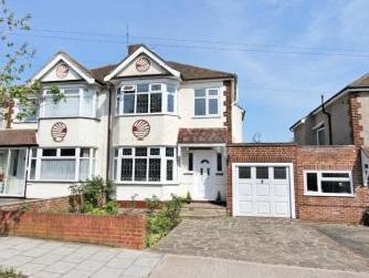 Goodwood Avenue, Hornchurch RM12