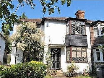 Calmont Road, Bromley - Detached