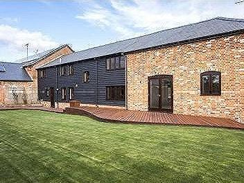 Parkhill Barns, Larkwhistle Farm Road, West Stratton, Winchester, SO21