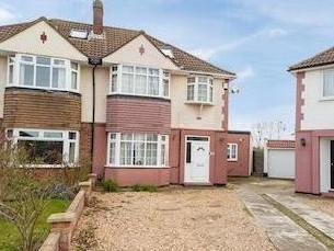 Bannister Close, Langley, Berkshire Sl3