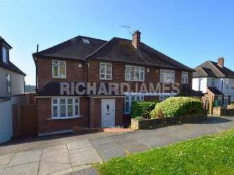 The Reddings, London NW7 - Detached