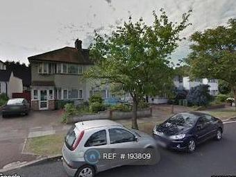 House to rent, Broad Walk Se3