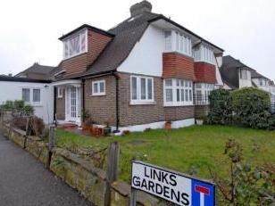 Gibsons Hill, Norbury SW16 - House