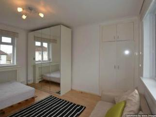 Daniel Place Nw4 - Double Bedroom