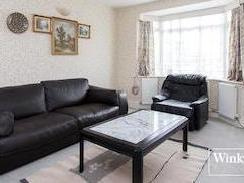 Selborne Gardens Nw4 - Double Bedroom