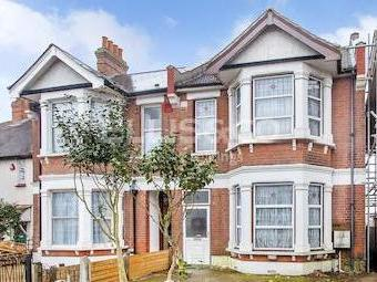House for sale, Park Road Nw4