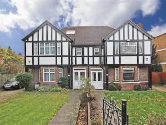 House to rent, Lynton Road W3